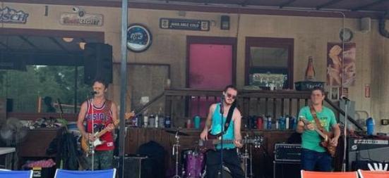 Beach Band Spotlight: The Old No. 5s